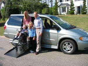 niños discapacitados, silla de ruedas, vehículo adaptado, Rehatrans, Pepe VARELA